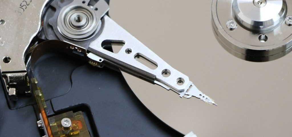 hard-disk-1071668_19201-1024x683 l